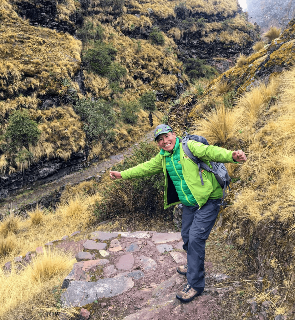 Alpaca Expeditions Macchu Picchu Tour Guide Inca Trail