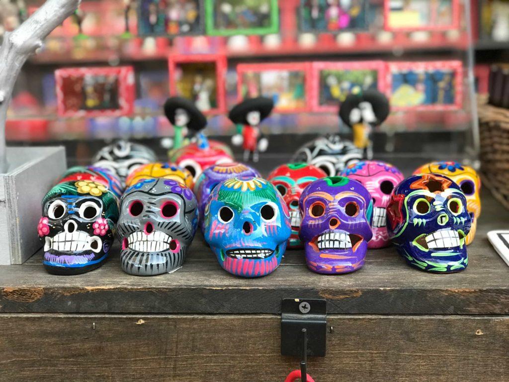 Día-de-Los-Muertos-sugar-skulls