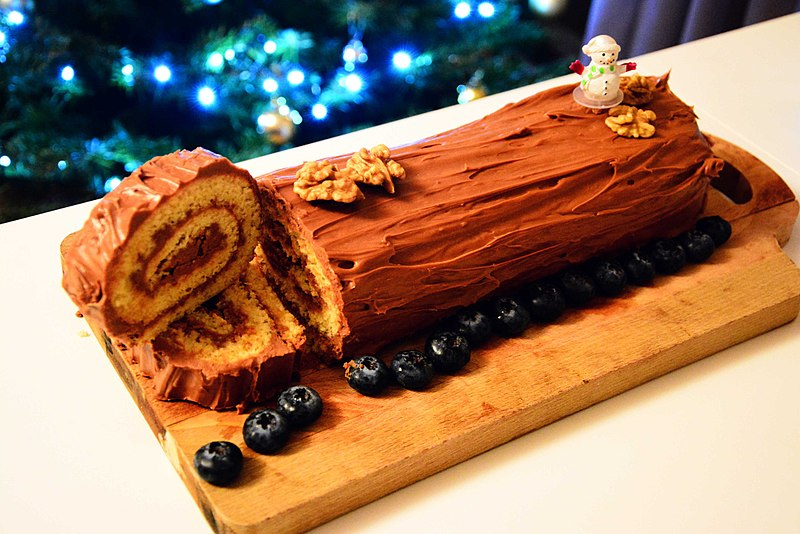 French Christmas Traditions, Christmas in France Yule Log