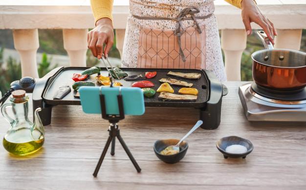 Language learning through cooking food